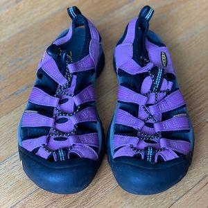 Keen waterproof sandal sneaker, size 6.5